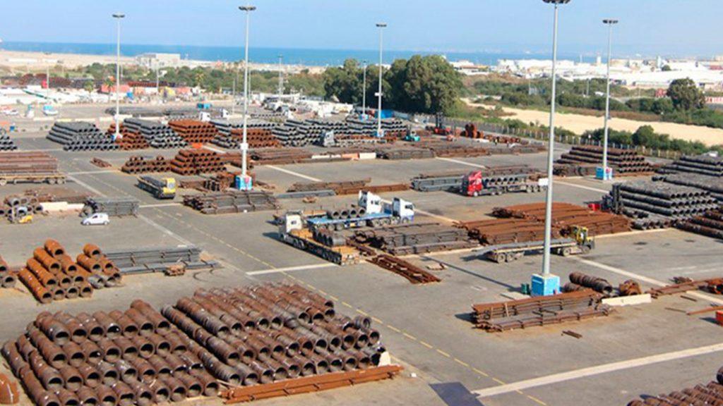 נמל ברזלים באחסנה